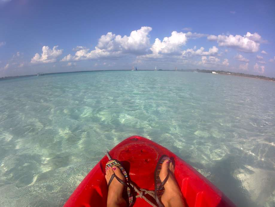 kayak-sur-la-laguna-bacalar