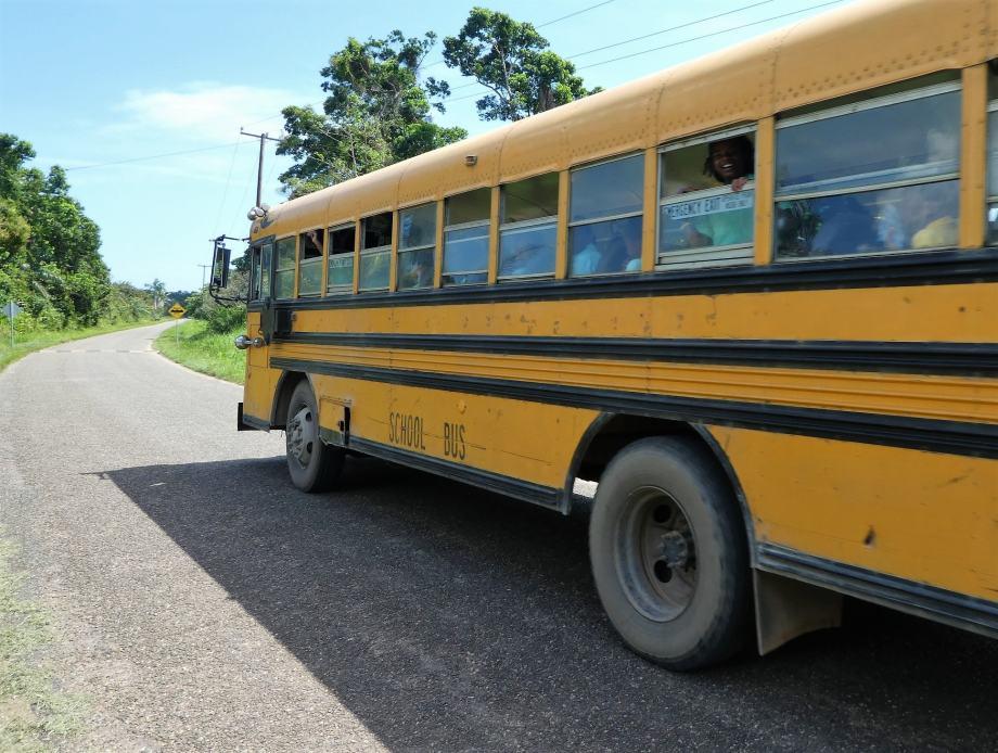le-fameux-schoolbus-du-belize
