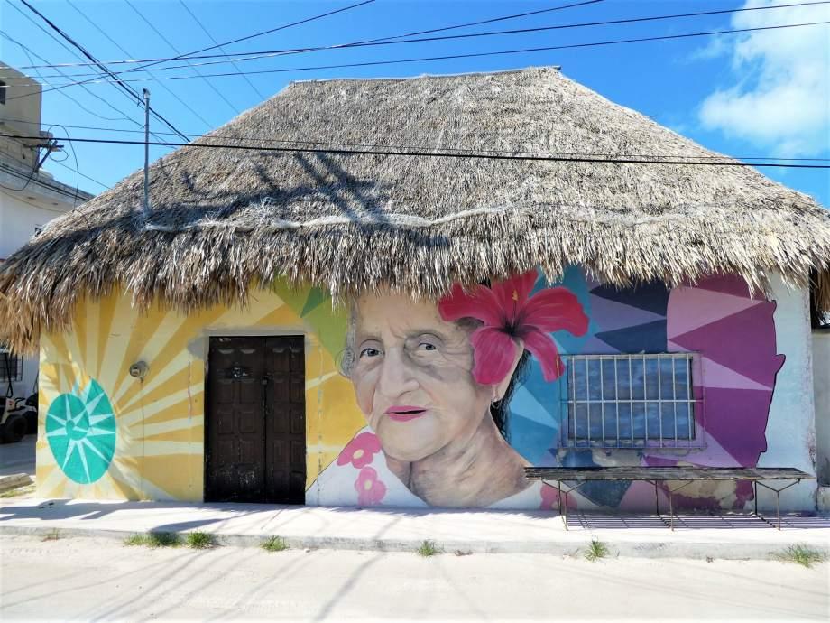 mujer-en-la-isla-holbox