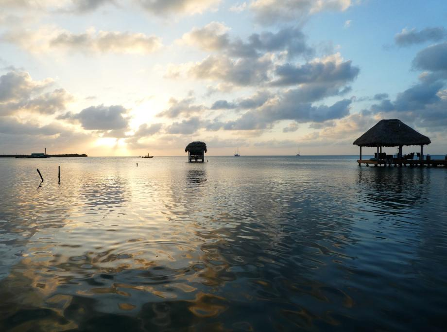 premier-sunset-a-caye-caulker