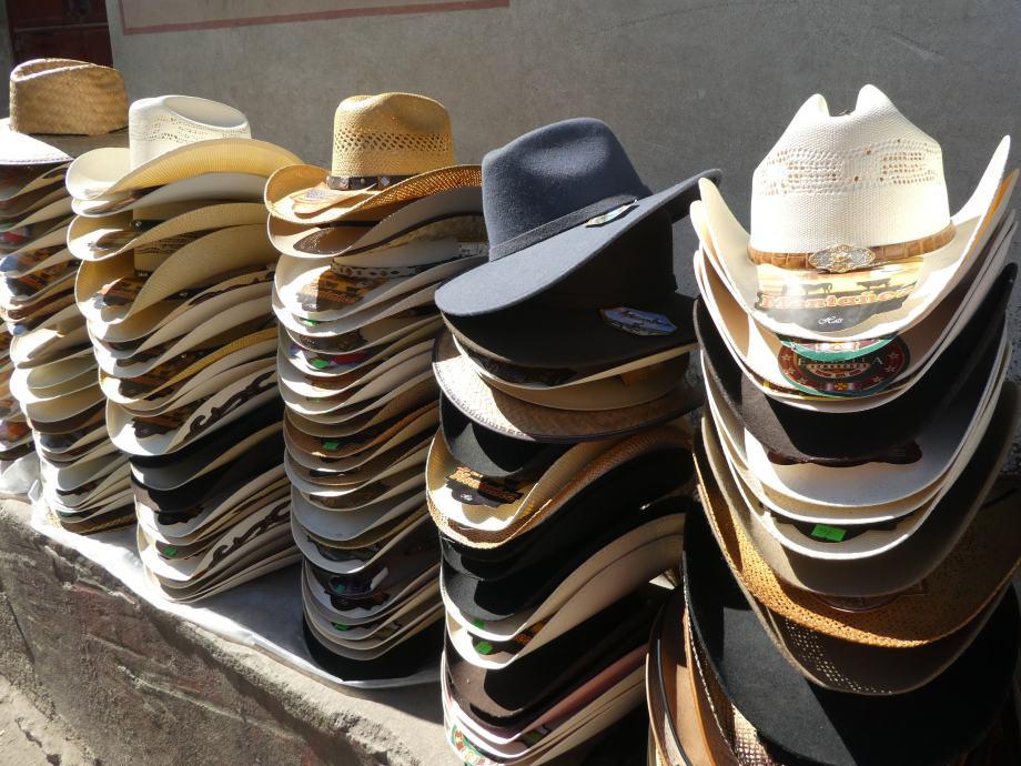 chapeaux-nebaj