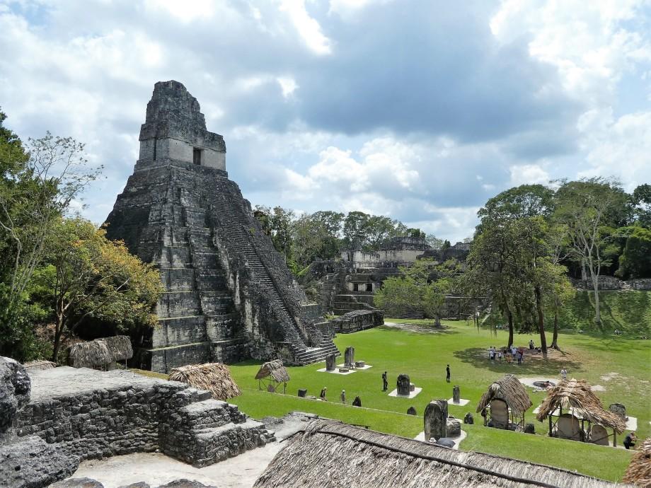 Temple I à Tikal.JPG