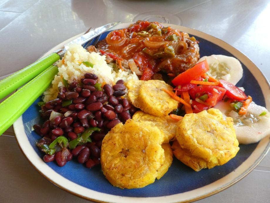 Almuerzo traditional