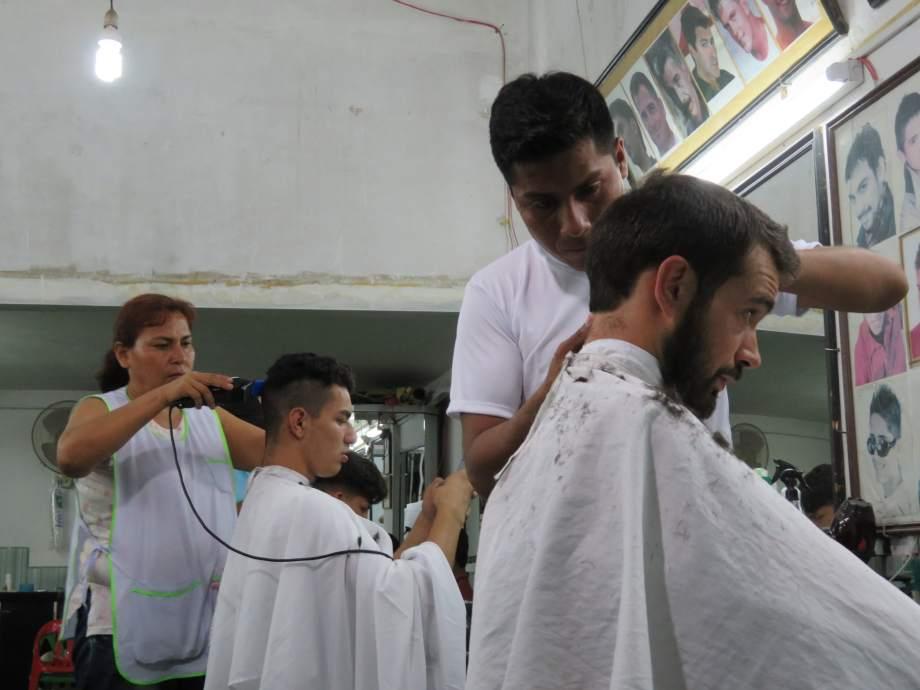 chez le coiffeur.JPG