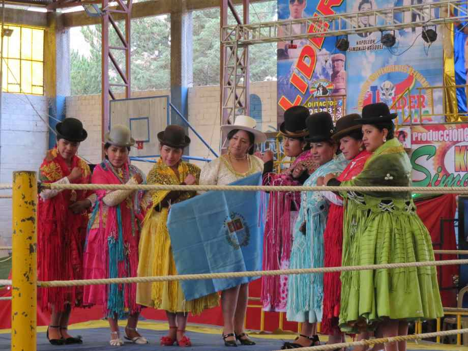 Cholitas avant le combat