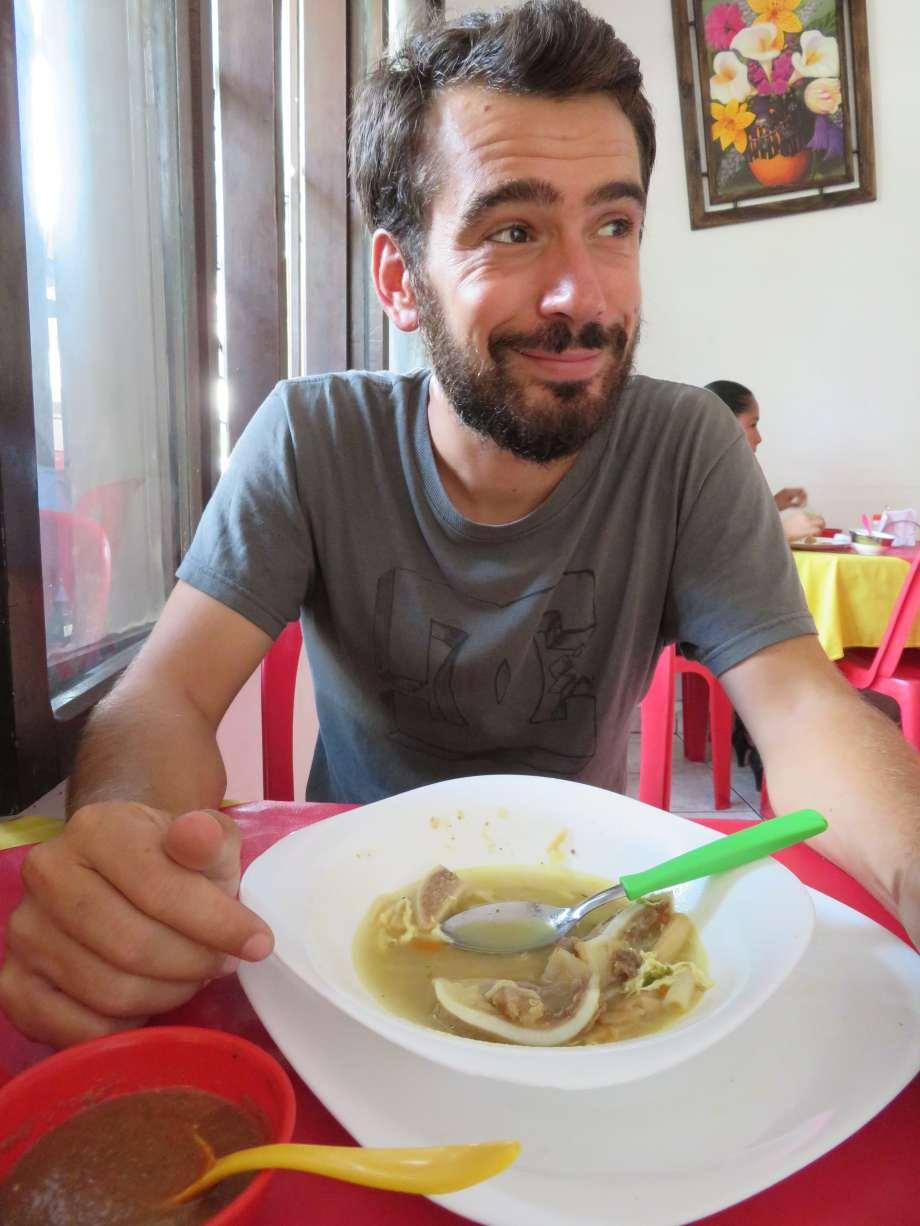 JB mange de la soupe!!