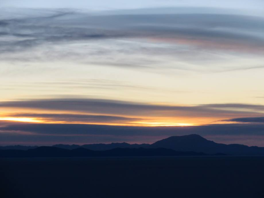 lever de soleil au salar d'Uyuni