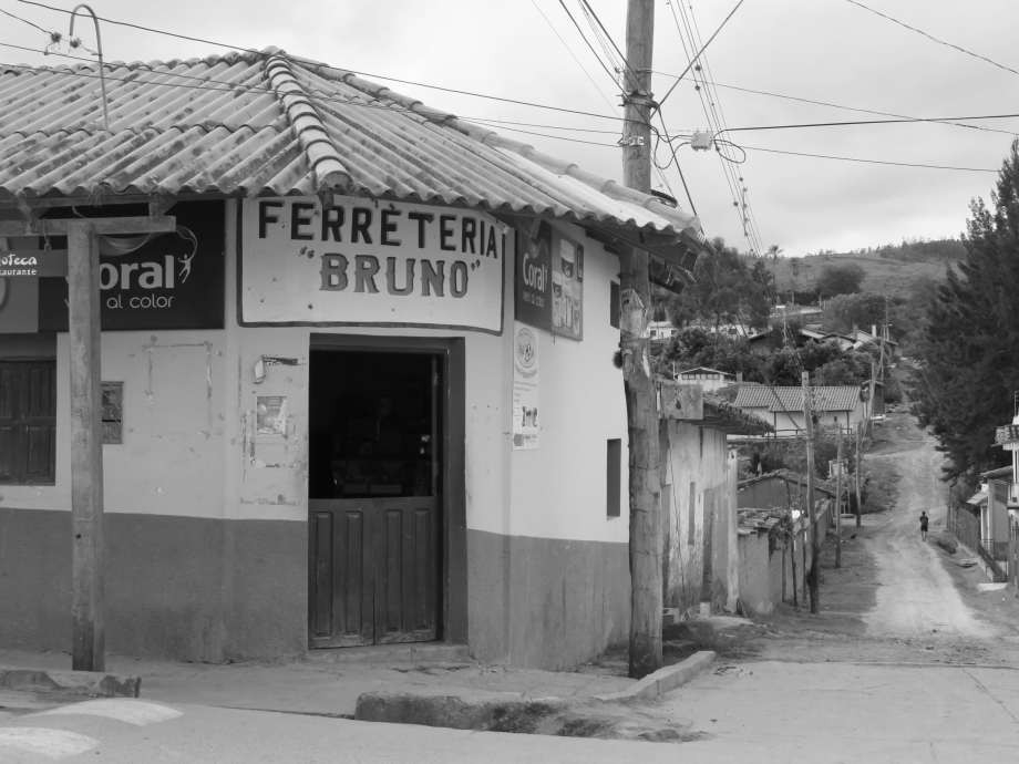 rue de Samaipata --.JPG