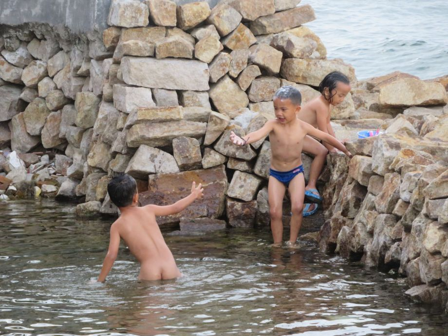 enfants au lac Toba (1)