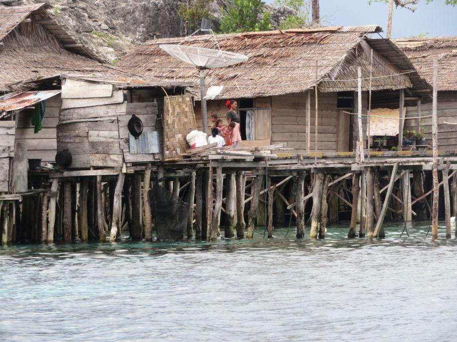 Bajau village (1)