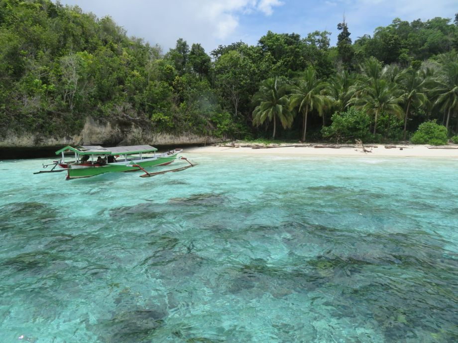 Karina beach (2)