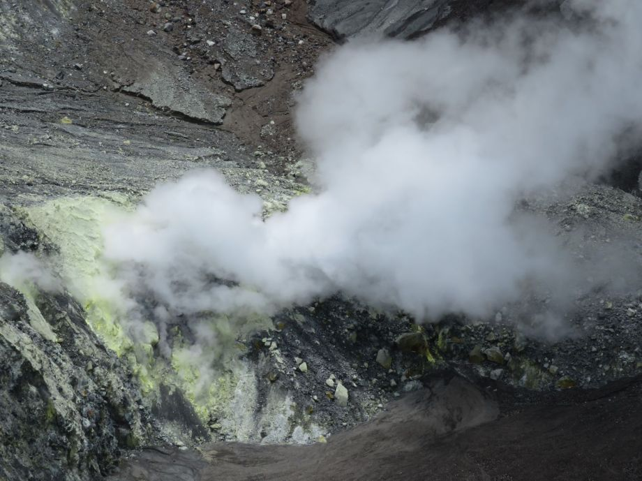 volcan lokon (3)