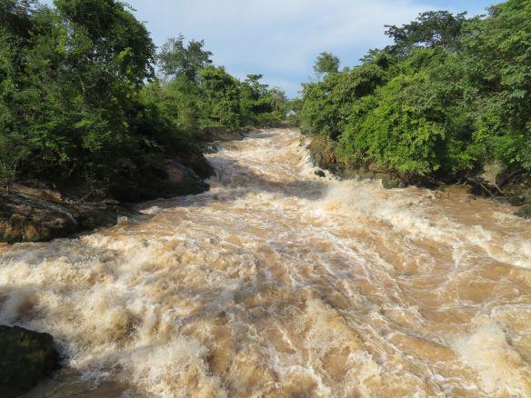 Khone pa soy waterfall (1)